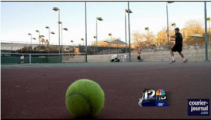 tennis-player-on-tennis-court