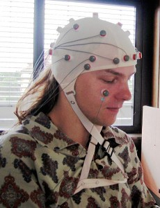 460px-EEG_mit_32_Electroden-230x300
